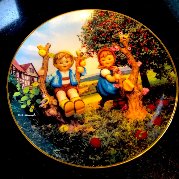 Hummel plate - Apple Tree Boy and Girl
